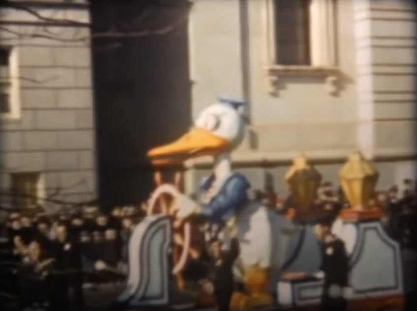 Donald Duck - Macy's Thanksgiving Day Parade (1939)